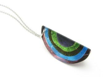 ガラスと銀箔のペンダント(紫色)の画像