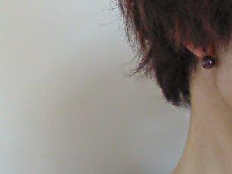 再販ピアスに見えるイヤリング☆ガーネットのノンホールピアス天然石パワーストーンの画像