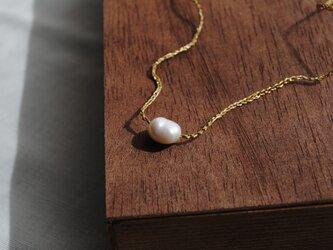 いとあみネックレス 淡水パールひとつぶ 金糸 の画像