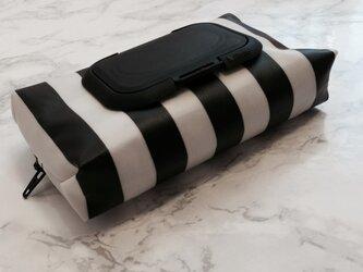 モノトーン ストライプ柄 携帯ウェットティッシュケースの画像