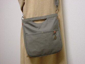 8号帆布 ショルダーバッグ(アーミーグリーン×茶色革)の画像