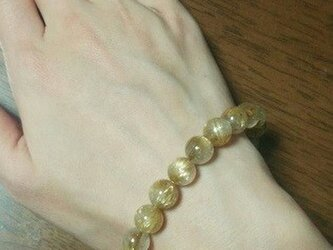 タイチンルチル(金針水晶)のブレスレットの画像