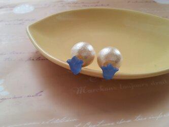 チューリップにコトンパールキャッチ(青)の画像