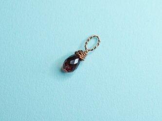 小さなガーネットの一粒ペンダント2の画像