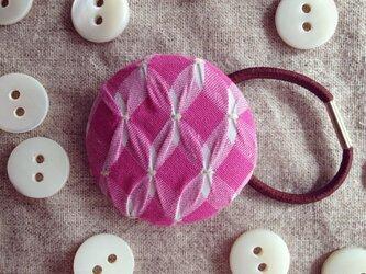 スモッキング刺繍くるみボタンのへアゴム S-18の画像