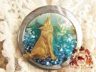 サークルブローチ オオカミ・星月夜の画像