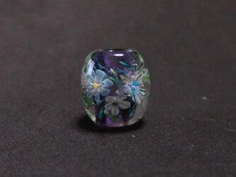 紫の花玉の画像