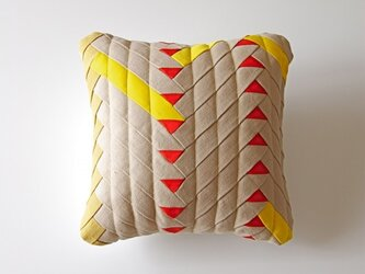 cushion / herringbone (beige)の画像
