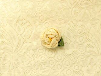 花言葉ブローチ 椿/白の画像