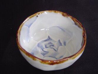 染付ばら小鉢の画像