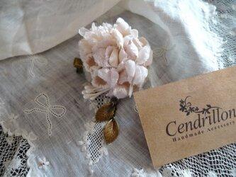 アイスピンクのすみれと小花のミニコサージュの画像