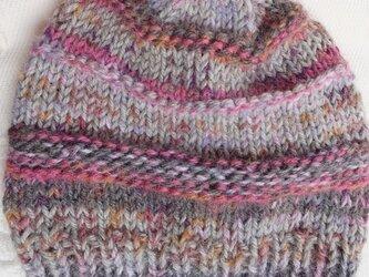 手編みのニット帽の画像