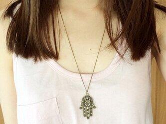 Hamsa necklaceの画像