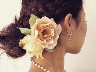 ふんわりローズの髪飾りの画像