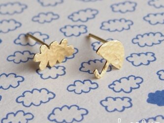 【受注制作】 Cloud x Umbrella ピアスの画像