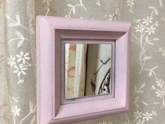 ピンクのミラーの画像
