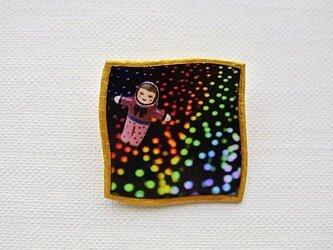 折り紙の中の宇宙ブローチ【ゆがんだ額縁シリーズ】の画像