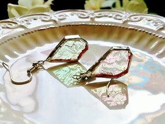 ステンドグラス 氷砂糖みたいなピアス~虹色~の画像