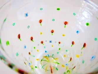 改定版:野の花グラス:白い花とサーモンピンクの画像