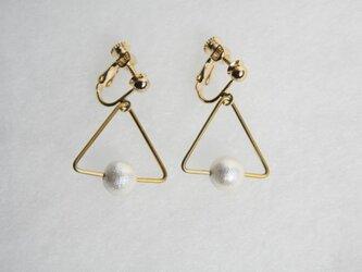 sankaku pearl earring [VE-001w]の画像