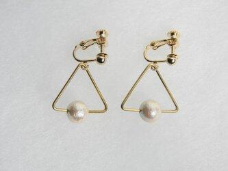 sankaku pearl earring [VE-001k]の画像