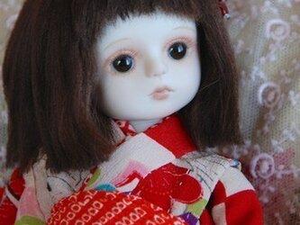 赤と白の市松模様の着物の画像