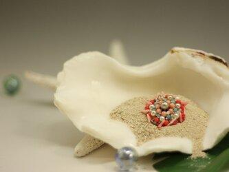 珊瑚ブローチの画像