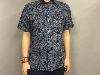 吉兆藍木綿半袖シャツ(唐草牡丹)の画像