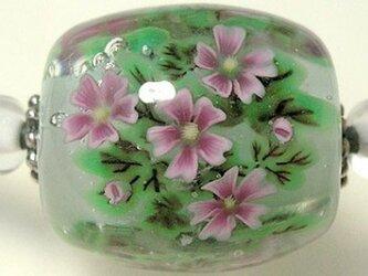 とんぼ玉チョーカー ゼニアオイのお花の画像