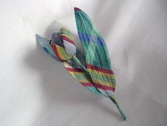 マドラスチェックのチューリップコサージュ(青系)の画像
