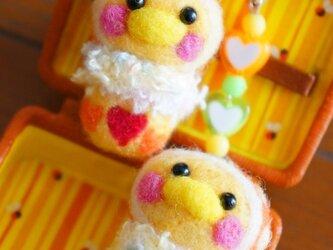 羊毛フェルト オレンジ着ぐるみぴよちゃん2連ストラップ☆の画像
