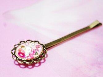 ビーズとお花のヘアピン(ピンク)の画像