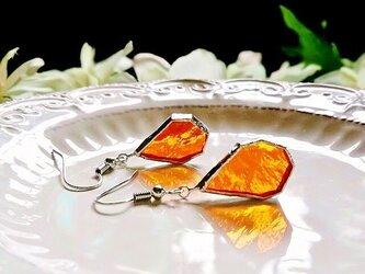 ステンドグラス 氷砂糖みたいなピアス~オレンジ~の画像