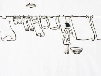洗濯物とUFO【Tシャツ】の画像