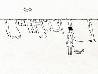 洗濯物とUFO 【 Tシャツ 】の画像