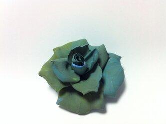 バラのコサージュの画像