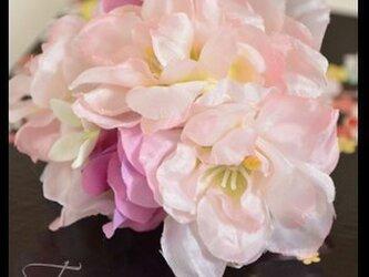桜のコサージュの画像