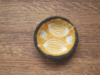 羊毛小皿/葉と三つ葉の画像