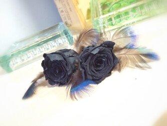 黒バラ×ファー髪飾り★プリザーブドフラワー★の画像
