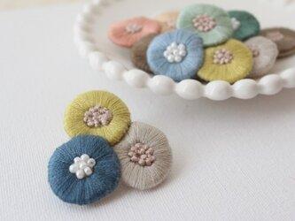 再販:3.色とりどりなお花のブローチの画像