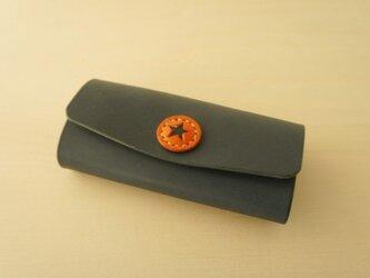 革ボタンのキーケース ネイビーの画像