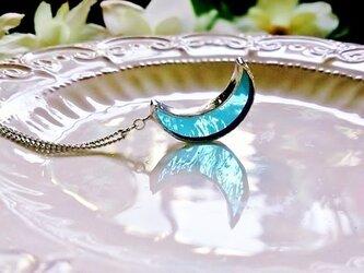 ステンドグラス 月のネックレス~ウォーターブルー~の画像