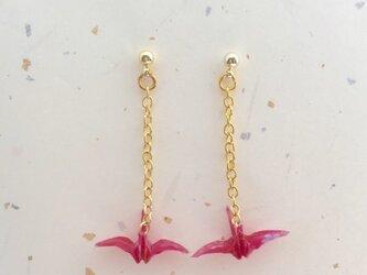 折り鶴ピアス 桜の画像