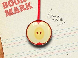 「リンゴ柄のクリップ型ブックマーク」no.025の画像