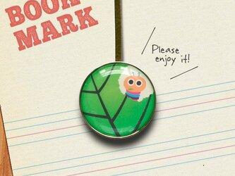 「葉っぱを食べる虫のクリップ型ブックマーク」no.057の画像