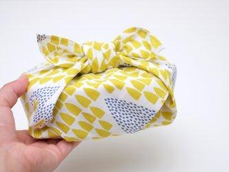手刷り生地のハンカチ・お弁当包み「かくれんぼ」の画像