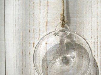 壁かけの花器(メダル型)の画像