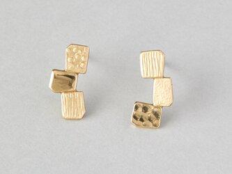 カクカクシカジカ 真鍮ピアス-3粒-の画像
