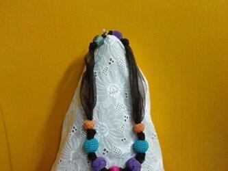 手作り変わり玉&オーガンジリボンのネックレスの画像