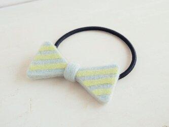 羊毛リボンのヘアゴム〈ミントボーダー〉の画像
